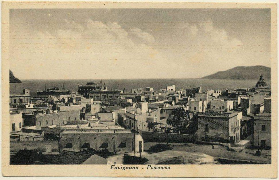 Panorama del paese di Favignana