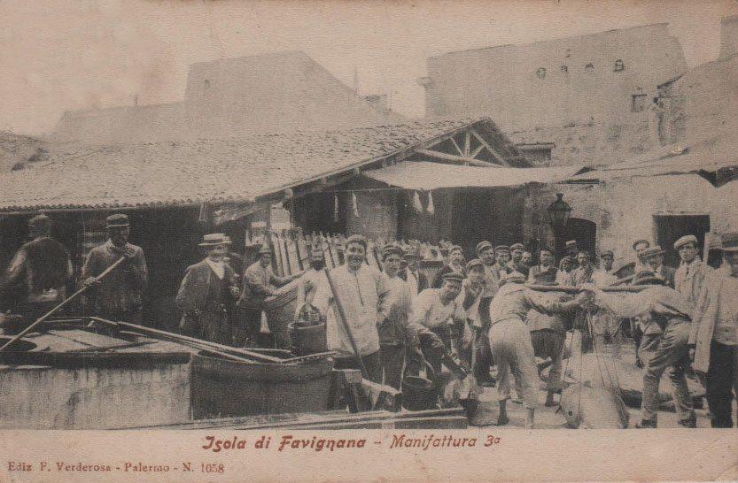 Operai dello stabilimento Florio di Favignana