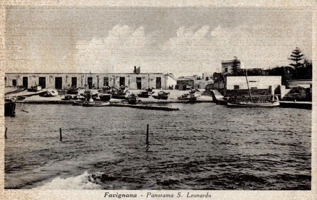 Favignana Pretti molo San Leonardo foto vecchia barche porto