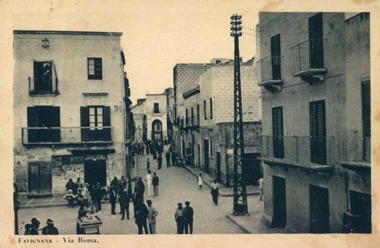 Favignana Via Roma 1930 madonnina